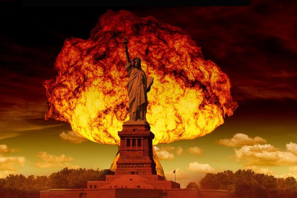 自由の女神と核爆弾