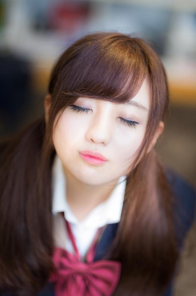 放課後、教室でキスをせがむ彼女