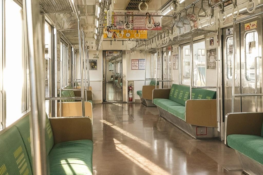 ガラガラの電車