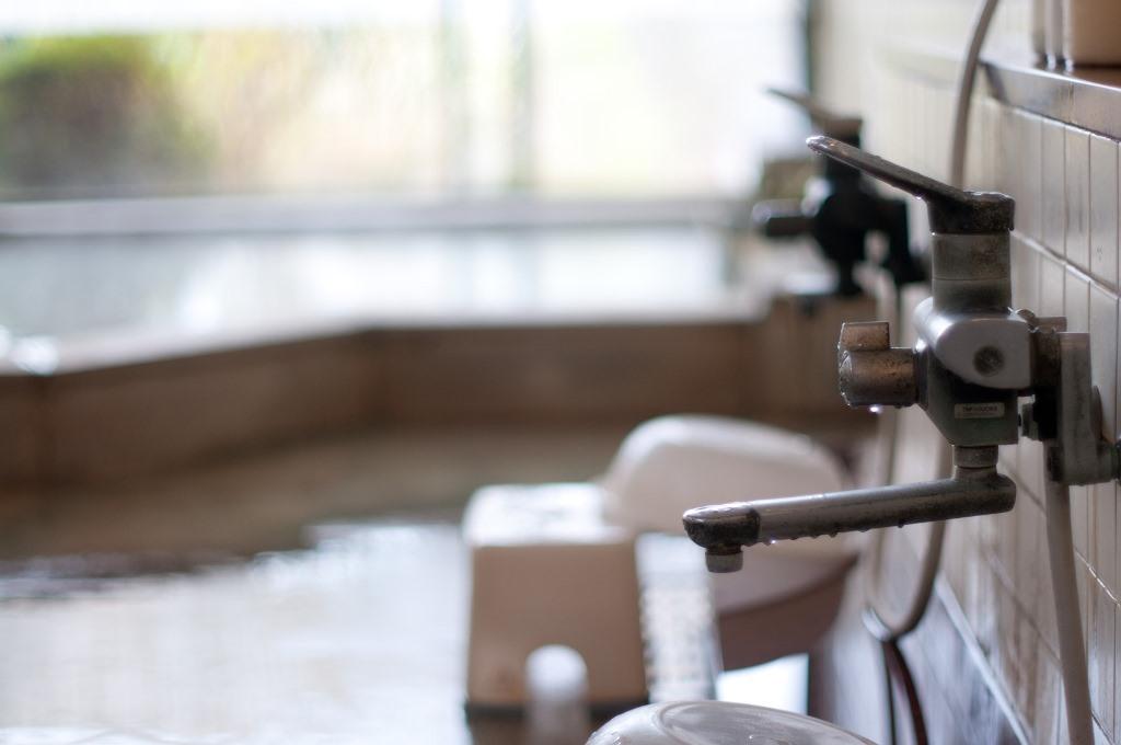 お風呂場の蛇口