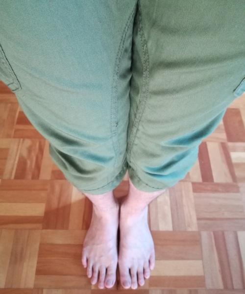 膝下レングスのハーフパンツ